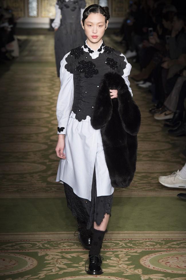5 BST như minh chứng cho thấy Tuần lễ thời trang London chẳng chán tẹo nào! - Ảnh 13.