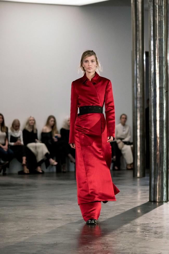 Mở mang tầm mắt với 8 BST không-thể-không-xem của Tuần lễ thời trang New York - Ảnh 28.