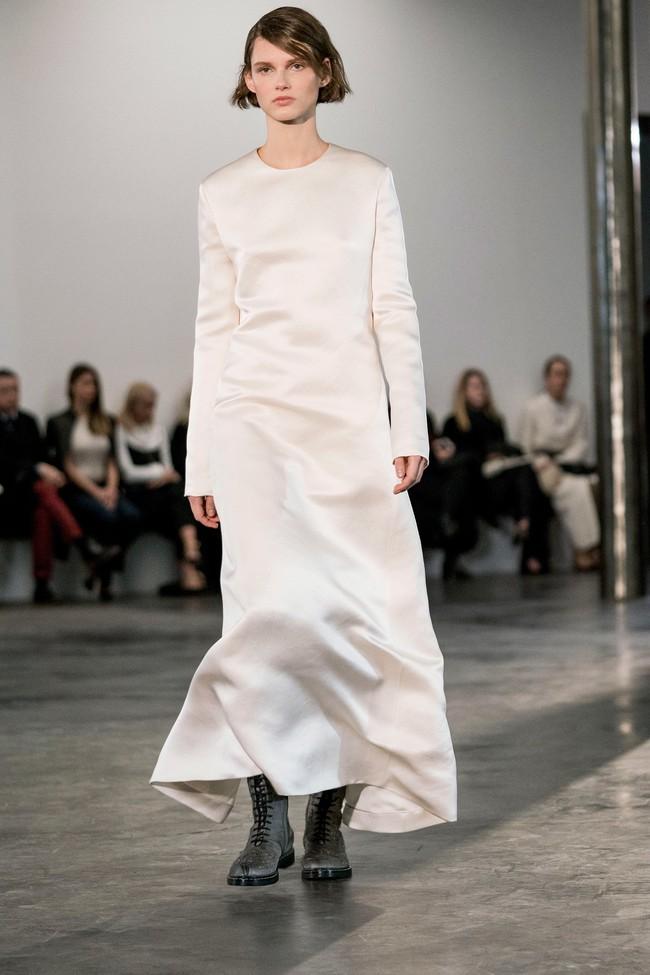 Mở mang tầm mắt với 8 BST không-thể-không-xem của Tuần lễ thời trang New York - Ảnh 29.