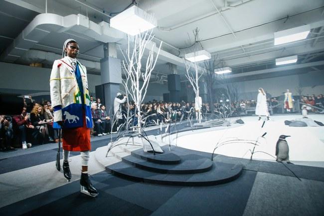 Mở mang tầm mắt với 8 BST không-thể-không-xem của Tuần lễ thời trang New York - Ảnh 7.