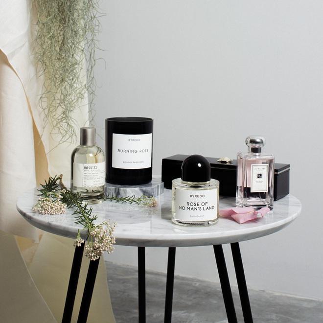 Không phải Chanel hay Dior, đây mới là 2 nhãn hiệu nước hoa đang được mệnh danh là nước hoa của các fashionista - Ảnh 1.