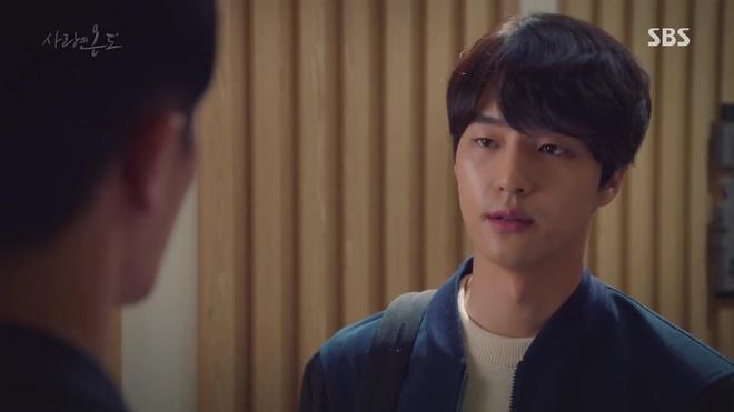 Nhiệt Độ Tình Yêu: Fan phát điên vì Seo Hyun Jin được trai trẻ bế lên sofa - Ảnh 8.