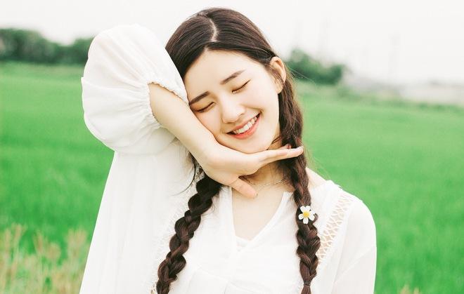 Cô bạn Trung Quốc với vẻ đẹp được ví nhÆ° nắng sớm khiến người ta nhớ mãi không quên - Ảnh 4.