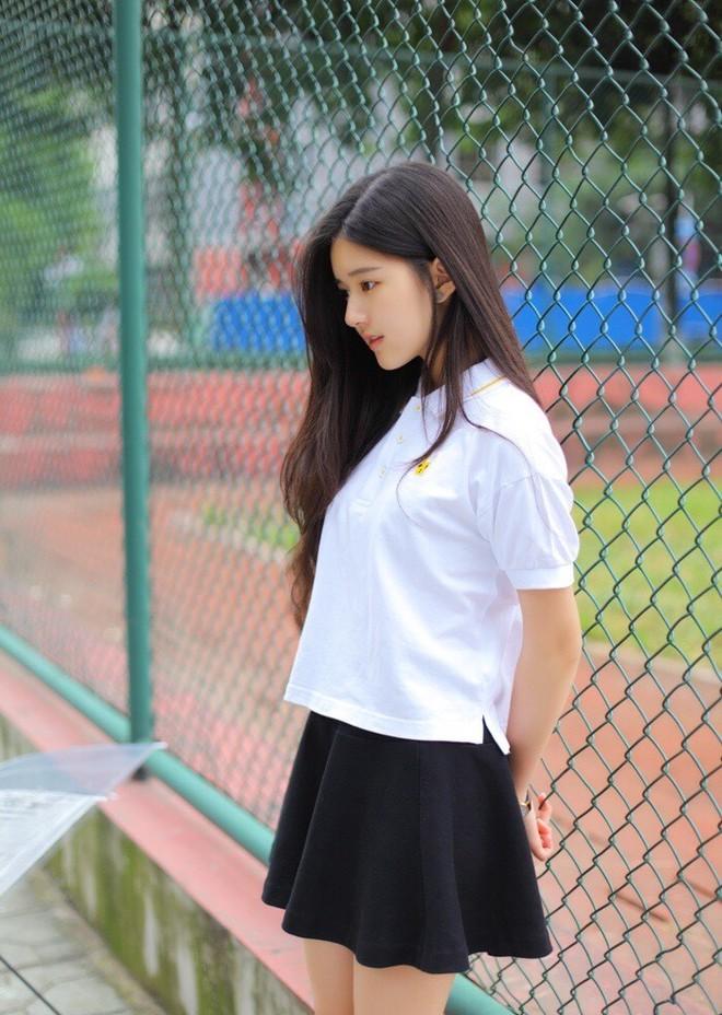 Cô bạn Trung Quốc với vẻ đẹp được ví nhÆ° nắng sớm khiến người ta nhớ mãi không quên - Ảnh 5.