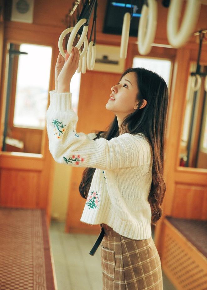 Cô bạn Trung Quốc với vẻ đẹp được ví nhÆ° nắng sớm khiến người ta nhớ mãi không quên - Ảnh 11.