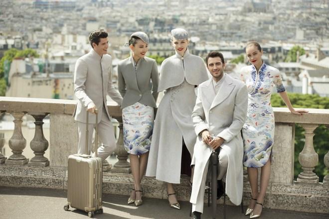 Đặt hẳn thiết kế Haute Couture làm đồng phục cho tiếp viên, Hainan Airlines chắc chắn là hãng hàng không chơi lớn nhất - Ảnh 1.