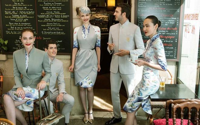 Đặt hẳn thiết kế Haute Couture làm đồng phục cho tiếp viên, Hainan Airlines chắc chắn là hãng hàng không chơi lớn nhất - Ảnh 4.