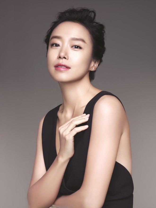 Không nghi ngờ gì nữa, đây là 10 chị đại quyền lực bậc nhất của màn ảnh Hàn! - Ảnh 2.
