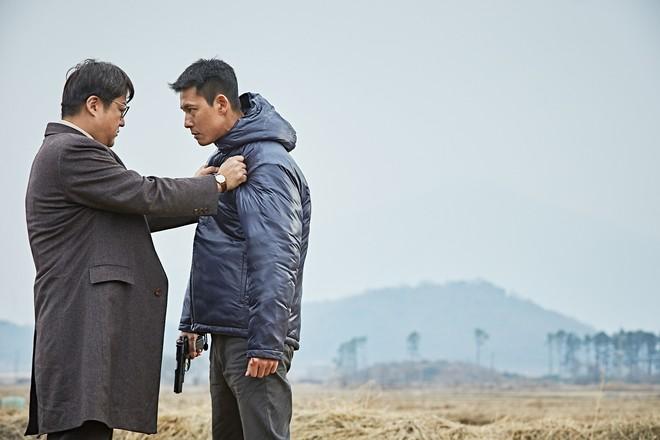 Đừng bỏ lỡ 7 phim điện ảnh Hàn đặc sắc khép lại năm 2017! - Ảnh 15.