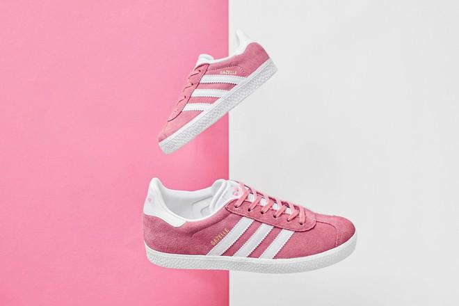 Thêm 5 đôi sneaker màu ngọt lịm không khỏi khiến các cô nàng đứng hình - Ảnh 1.