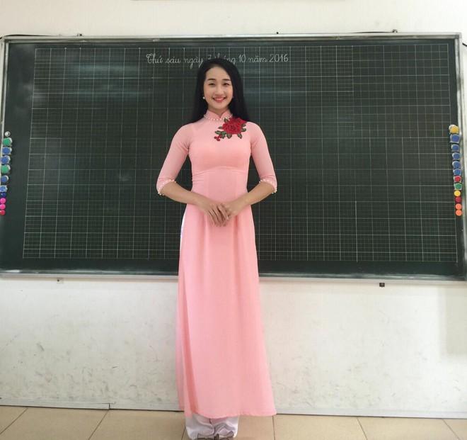 Điểm danh những Hoa khôi, Á khôi tài sắc vẹn toàn đã chọn trở thành cô giáo, giảng viên ĐH - Ảnh 13.