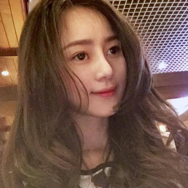 """Quá xinh và ngọt ngào, """"bạn gái"""" của Chi Dân trong MV """"Yêu từ phía xa"""" là ai? - Ảnh 11."""