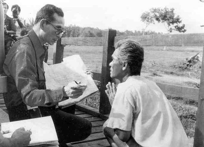 10 dấu ấn trong cuộc đời Quốc vương Bhumibol Adulyadej – Vị vua vĩ đại nhất lịch sử Thái Lan - Ảnh 15.