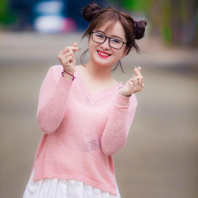 Cắt tóc ngắn để che mặt tròn, cô bạn Sài Gòn không ngờ trông giống hệt Đóa Nhi! - Ảnh 2.