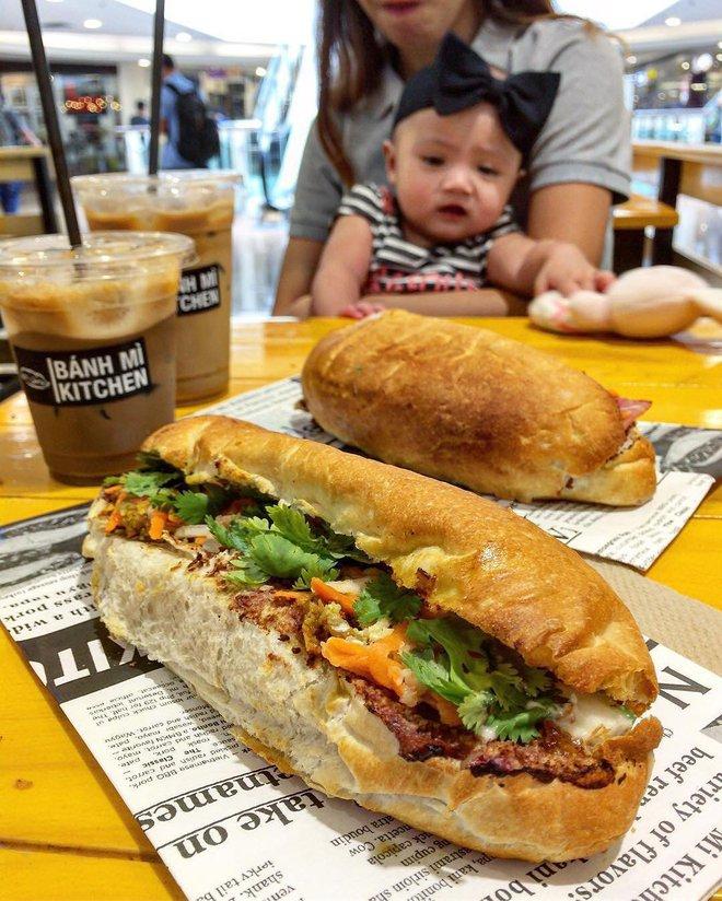 10 món ăn đường phố Việt Nam được CNN hết lời khen ngợi - Ảnh 17.