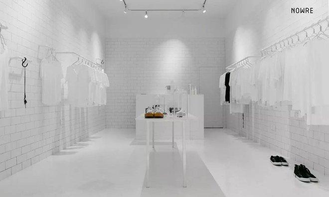 Bắt chước Nhật Bản, Trung Quốc cũng có một shop chỉ bán toàn áo phông trắng sở hữu cái tên kỳ quái:     - Ảnh 2.