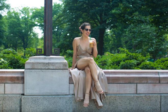 Cô nàng này đã diện thử chiếc váy lộ hàng giống Bella Hadid và đây là cái kết - Ảnh 3.