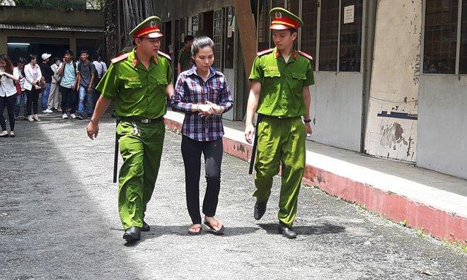 Vụ cô gái ở Sài Gòn bị tăng án vì đâm chết kẻ sàm sỡ: Tự vệ như thế nào để không vi phạm pháp luật? - Ảnh 2.