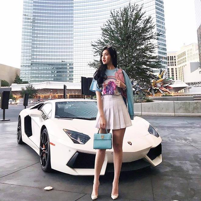 4 cô nàng xinh đẹp của Hội con nhà giàu Việt với cuộc sống sang chảnh như công chúa - Ảnh 4.