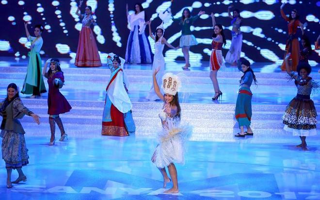 Mỹ Linh tại Miss World 2017: Mở đầu mờ nhạt, toả sáng ở những chặng đua nước rút và trượt Top 15 đầy tiếc nuối - Ảnh 10.