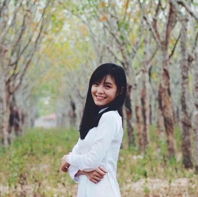 Hình ảnh mũm mĩm, ngố tàu của hot girl Việt thời còn là học sinh cấp 3 - Ảnh 20.