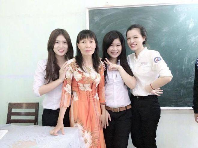 Hình ảnh mũm mĩm, ngố tàu của hot girl Việt thời còn là học sinh cấp 3 - Ảnh 9.