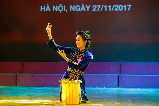 15 gương mặt đầu tiên xuất hiện trong vòng Chung kết Hoa khôi Sinh viên Việt Nam 2017 đã lộ diện - Ảnh 3.