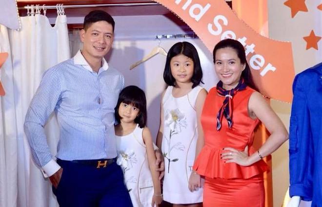 Sau lùm xùm với Trương Quỳnh Anh, Bình Minh rạng rỡ xuất hiện bên bà xã và hai con cưng - Ảnh 3.