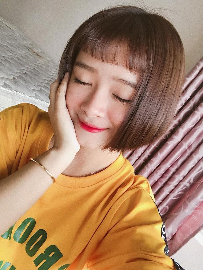 Cắt tóc ngắn để che mặt tròn, cô bạn Sài Gòn không ngờ trông giống hệt Đóa Nhi! - Ảnh 1.