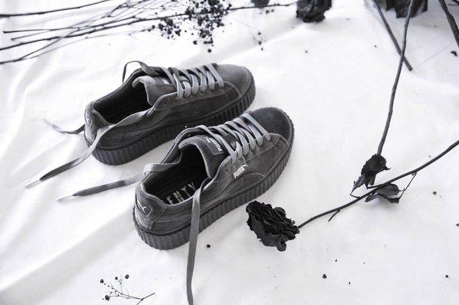Rò rỉ hình ảnh mới của mẫu sneaker Puma do Rihanna thiết kế: Đế độn cao vút đúng trend, hội nấm lùn đảm bảo mê tít - Ảnh 3.