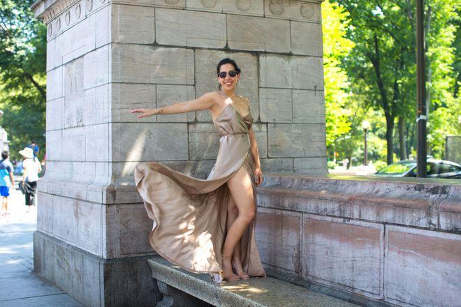 Cô nàng này đã diện thử chiếc váy lộ hàng giống Bella Hadid và đây là cái kết - Ảnh 4.