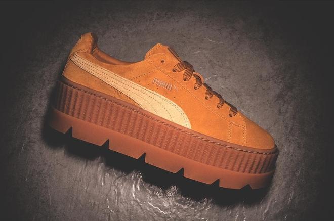Rò rỉ hình ảnh mới của mẫu sneaker Puma do Rihanna thiết kế: Đế độn cao vút đúng trend, hội nấm lùn đảm bảo mê tít - Ảnh 4.