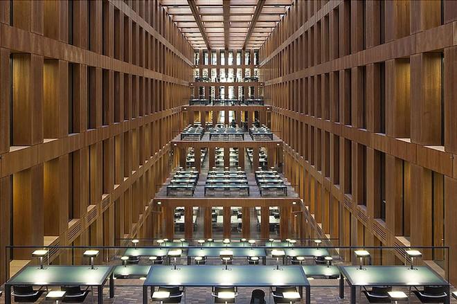 Ngắm những thư viện đẹp nhất thế gian qua ống kính nhiếp ảnh gia người Đức - Ảnh 7.