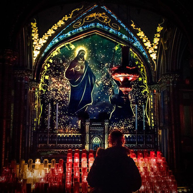 Màn trình diễn ánh sáng ngoạn mục biến nhà thờ thành xứ sở thần tiên - Ảnh 9.