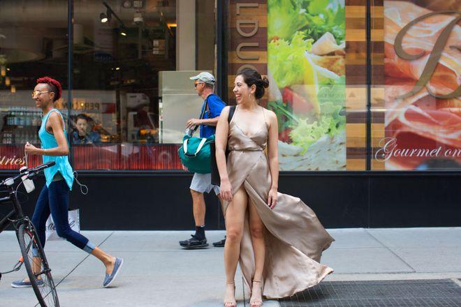 Cô nàng này đã diện thử chiếc váy lộ hàng giống Bella Hadid và đây là cái kết - Ảnh 7.
