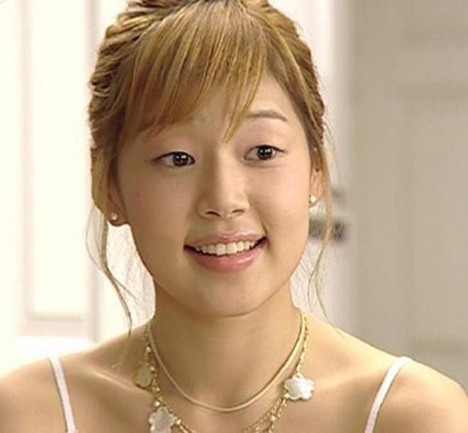 Dàn đại mỹ nhân loạt phim 4 mùa ngày ấy bây giờ: Không là bà hoàng cô độc, cũng thành bà chúa lấy chồng đại gia - Ảnh 21.
