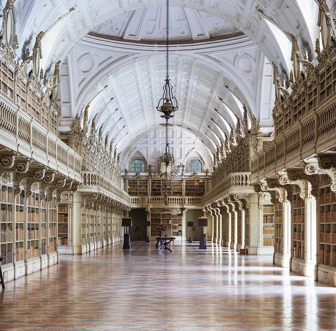 Ngắm những thư viện đẹp nhất thế gian qua ống kính nhiếp ảnh gia người Đức - Ảnh 11.