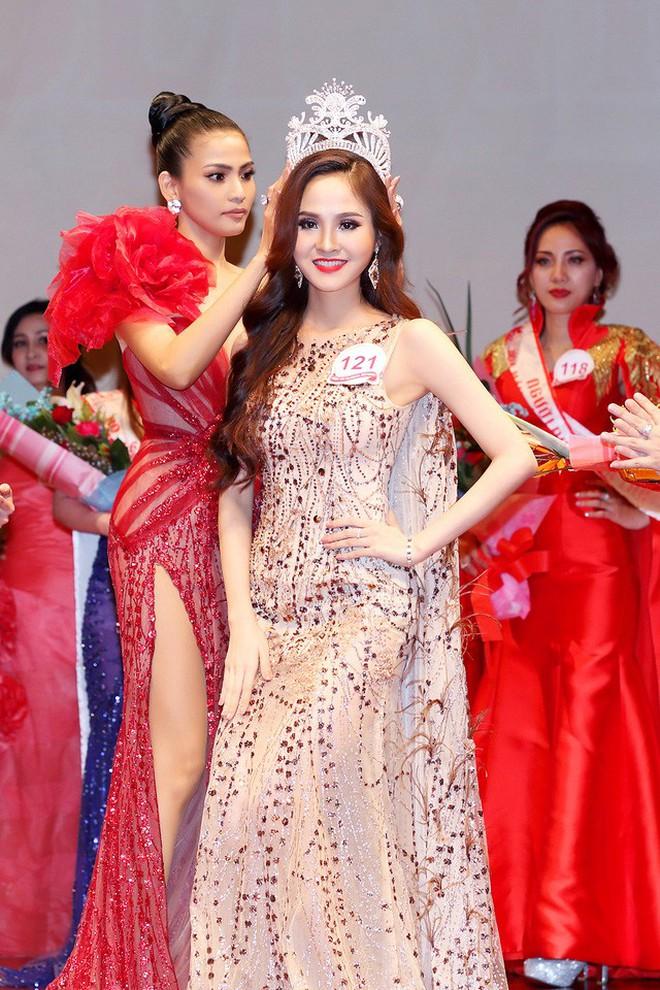 Cấp báo: Số lượng Hoa hậu đăng quang ngày hôm nay đã lên đến con số 7! - Ảnh 8.