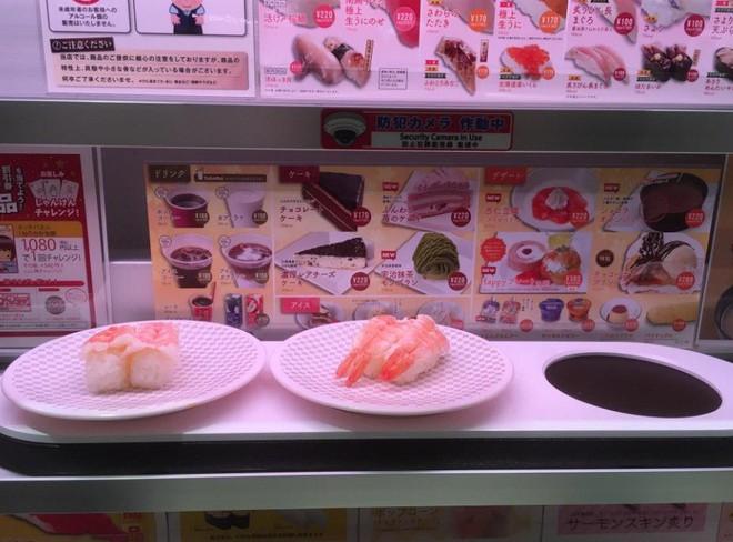 Thú vị với cách thưởng thức sushi tàu hỏa siêu nhanh ở Nhật Bản - Ảnh 4.