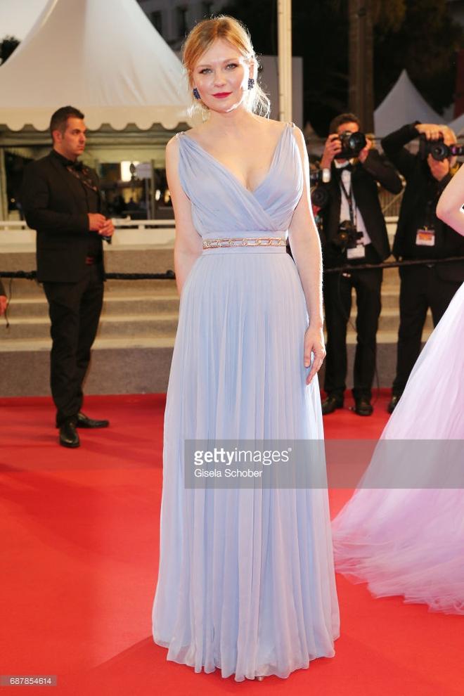 Phạm Băng Băng đã chịu lấy lại phong độ, đẹp không thua kém Elle Fanning trên thảm đỏ Cannes - Ảnh 25.