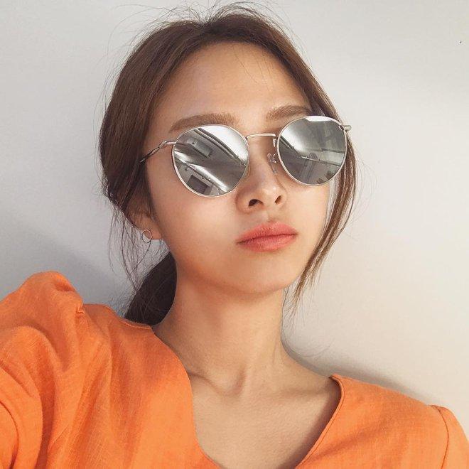 Sau Gentle Monster, giới trẻ Hàn đang đắm đuối với 2 thương hiệu kính mắt rẻ hơn mà cực cool này - Ảnh 10.