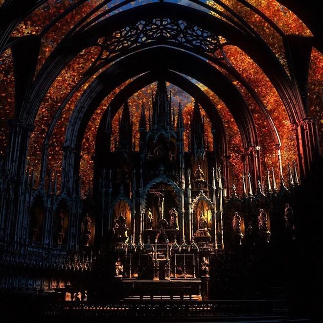 Màn trình diễn ánh sáng ngoạn mục biến nhà thờ thành xứ sở thần tiên - Ảnh 13.
