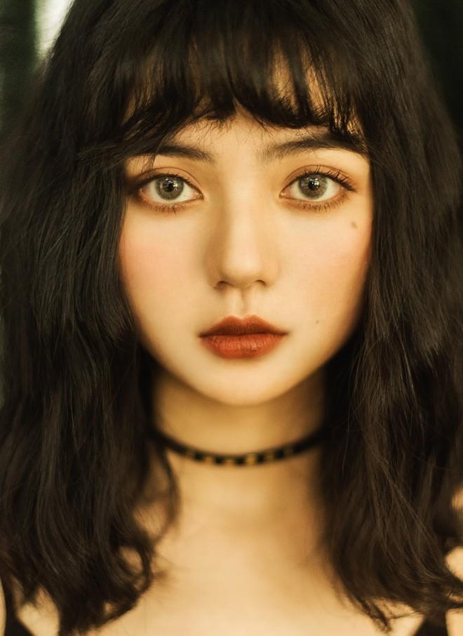 Cả thế giới ra mà xem con gái nhà người ta, mắt to long lanh, mặt xinh hết phần thiên hạ - Ảnh 4.