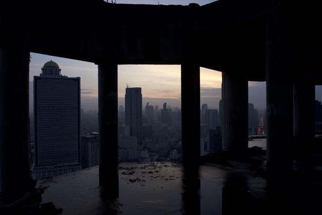 The Promise: Những sự thật rùng rợn về tòa nhà ma ám nổi tiếng nhất Thái Lan - Ảnh 4.