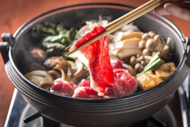 Mê ẩm thực Nhật Bản mà không biết món Sukiyaki hấp dẫn này thì quả là đáng tiếc - Ảnh 5.