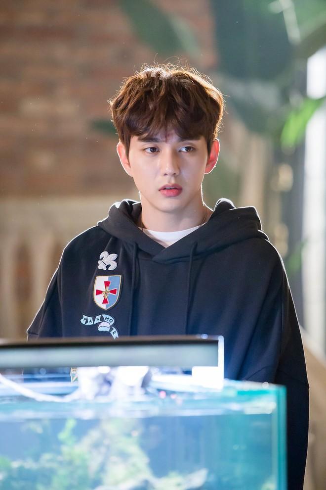 Yoo Seung Ho đã đẹp chết người, người yêu mới của anh còn xuất sắc hơn cả Kim So Hyun - Ảnh 9.