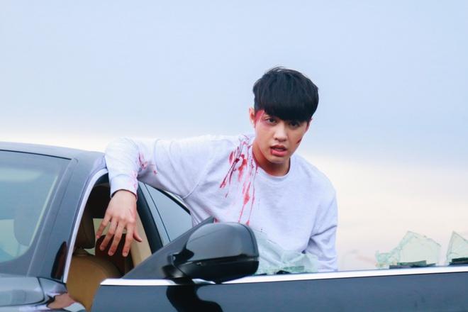 Noo Phước Thịnh mắc bệnh quái ác, bị người yêu phản bội, chịu cái kết đầy bi thảm trong MV mới - Ảnh 7.