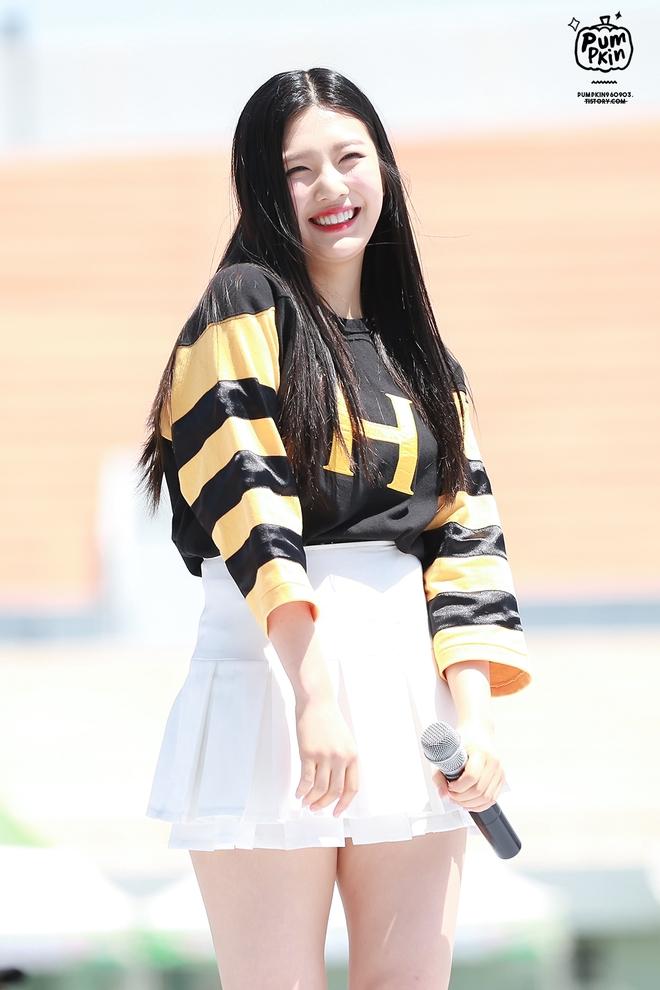 Người ta mải mê khen ngợi nữ thần Irene mà quên đi một mỹ nhân sexy khác của Red Velvet - Ảnh 4.