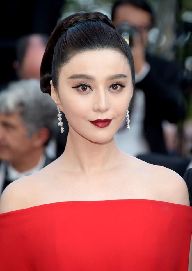 Phạm Băng Băng đã chịu lấy lại phong độ, đẹp không thua kém Elle Fanning trên thảm đỏ Cannes - Ảnh 4.