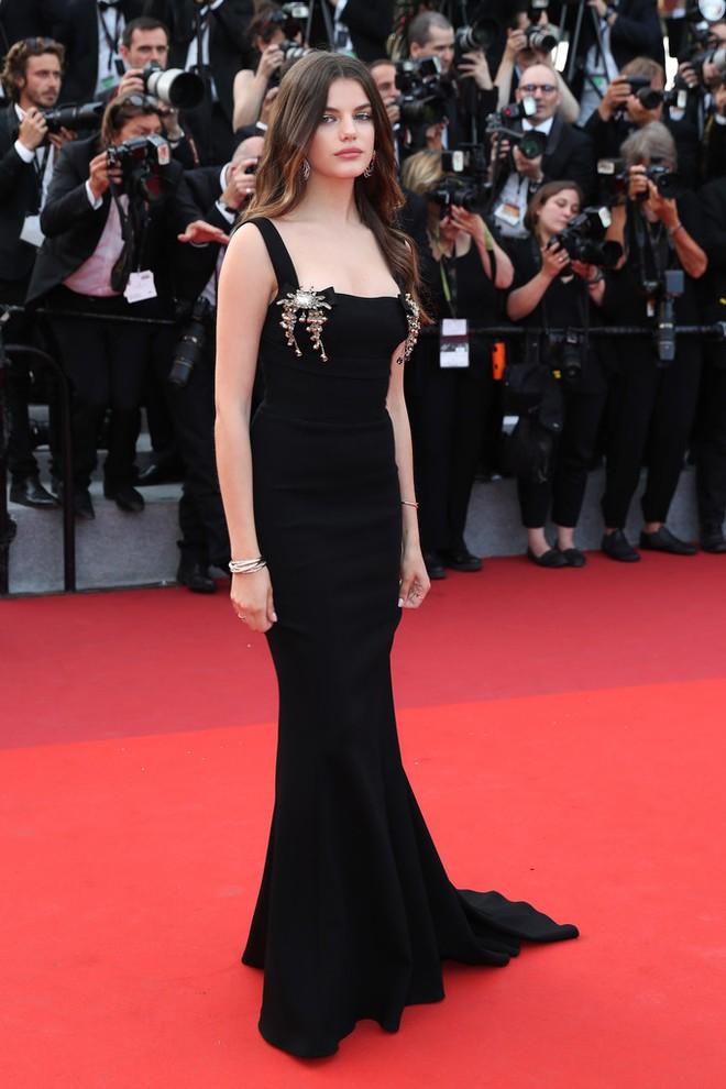 Phạm Băng Băng đã chịu lấy lại phong độ, đẹp không thua kém Elle Fanning trên thảm đỏ Cannes - Ảnh 26.